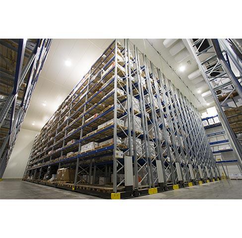 E.F.M.O est votre disposition pour le stockage de produits à température dirigée positif et négatif, mais également pour le stockage +15° / +25°.